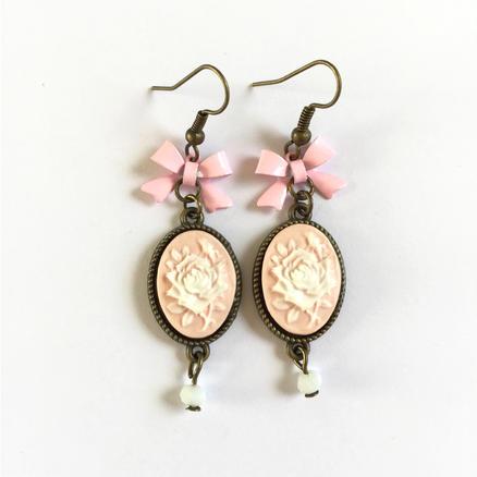 Boucles d'oreilles camée rose