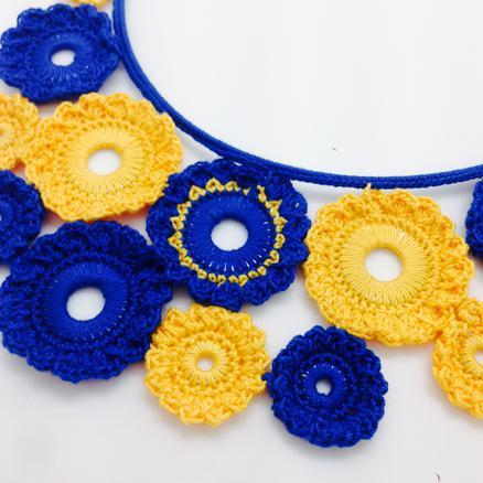 Crotte de poule- créatrice bijoux fantaisie- Faty Deluxe-crochet-color pop