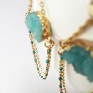 Boucles d'oreilles résine bleues et or