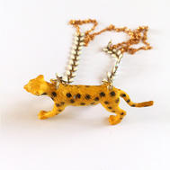 Collier totem léopard