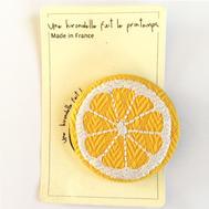 Badge brodé citron